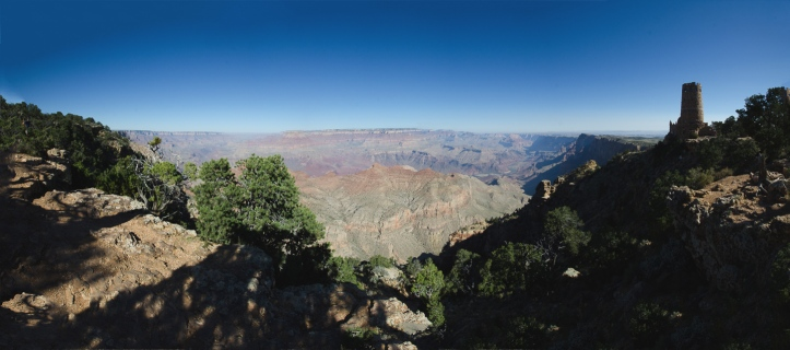 View on the South Rim of the Grand Canyon and the Desert View Watchtower.